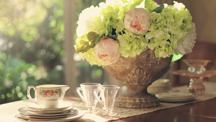 Home staging: table settings
